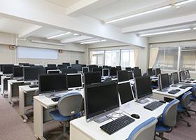 img_ph03-コンピュータ室